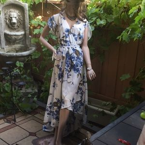 NWT Lulus white w/blue flowers dress